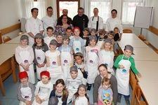 22 Kinder und 5 Köche rockten die Küche