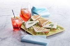 Campari Soda mit Tramezzini