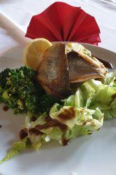 Seesaibling mit Petersilkartoffeln und Broccoli