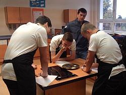 Vincent trainiert mit den Schülern
